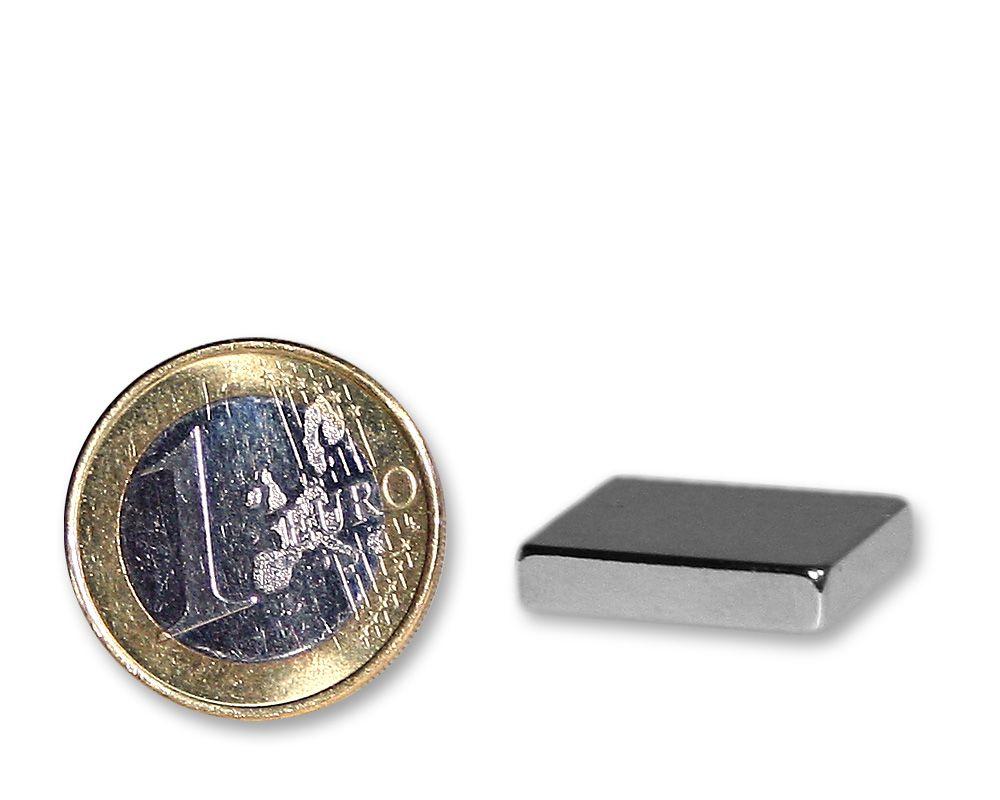 Quadermagnet 18,0 x 18,0 x 4,0 mm Neodym N45 vernickelt - hält 5,8 kg