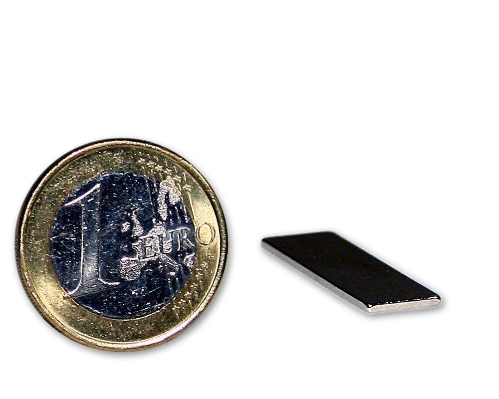 Quadermagnet 25,0 x 8,0 x 1,0 mm Neodym N45 vernickelt - hält 1,1 kg