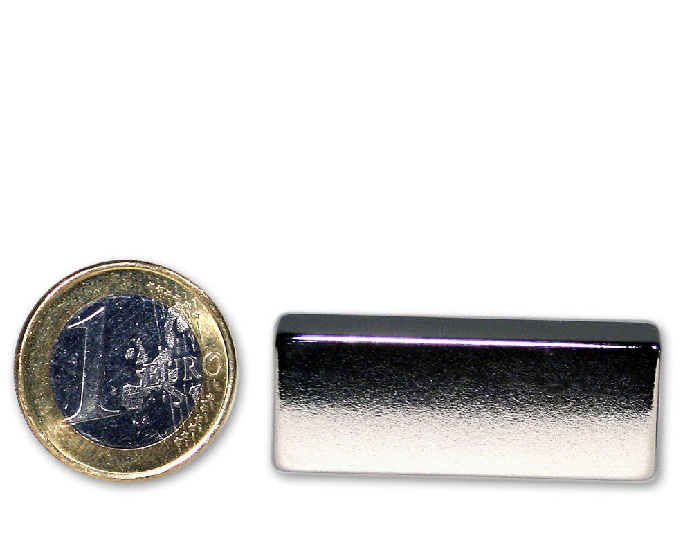 Quadermagnet 40,0 x 15,0 x 10,0 mm Neodym N45 vernickelt - hält 18,0 kg