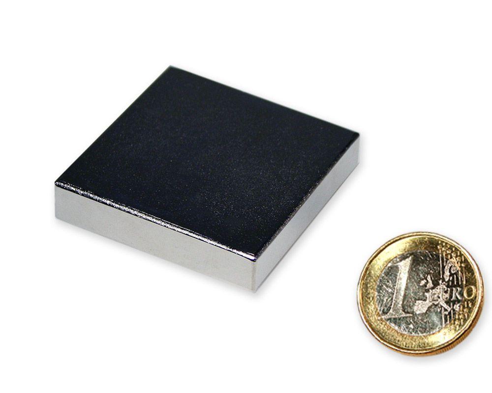 Quadermagnet 40,0 x 40,0 x 10,0 mm Neodym N45 vernickelt - hält 28,0 kg