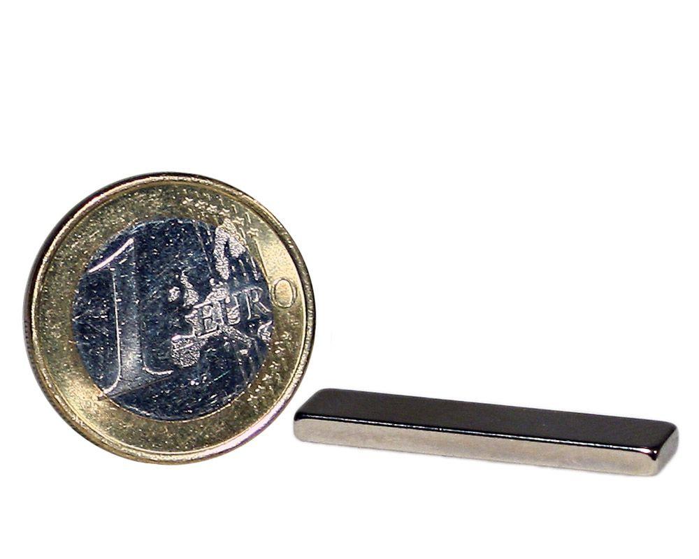 Quadermagnet 30,0 x 7,0 x 2,5 mm Neodym N45 vernickelt - hält 2,4 kg