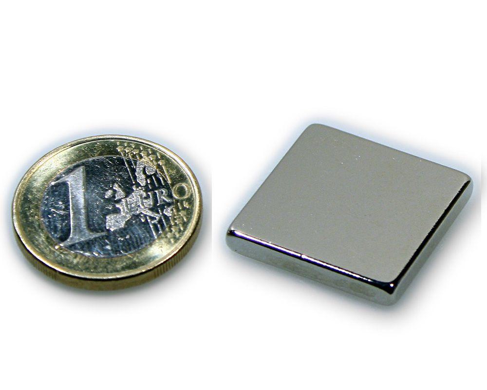 Quadermagnet 30,0 x 30,0 x 5,0 mm Neodym N45 vernickelt - hält 15,1 kg